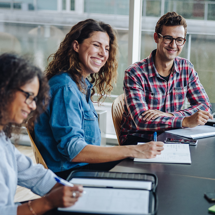 The Power of Employee Experience: What Is It & How Can You Turn It into a Competitive Advantage?